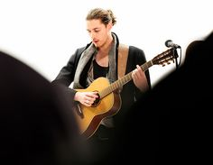 VH1 You Oughta Know: Hozier Photos by Lauren Weissler