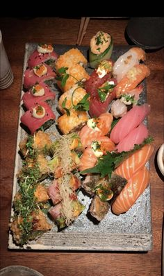 From Karma Sushi in Copenhagen Denmark Sushi Recipes, Asian Recipes, Ethnic Recipes, Japanese Snacks, Japanese Food, Seafood Buffet, Sushi Party, Sushi Time, Best Sushi