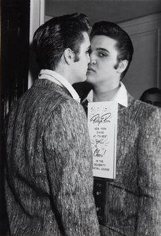 If I were as beautiful as Elvis I'd kiss myself in the mirror too..