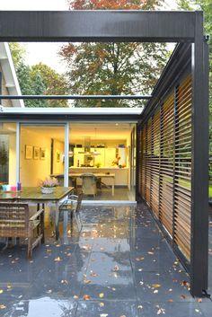Wil Bongers Architectuur - Projecten - Moderne uitbouw aanbouw tuinkamer glas staal en hout