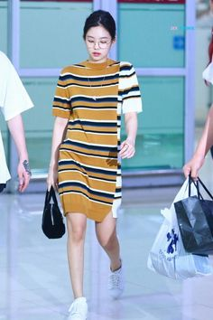 Blackpink Jennie - Dress We all want to look youthful and fun. Today let's all get inspired by Blackpink Jennie's student fashion look! Kpop Fashion Outfits, Blackpink Fashion, Asian Fashion, Chic Outfits, Trendy Fashion, Fashion Looks, Korean Outfits Kpop, Fashion Ideas, Fashion Check