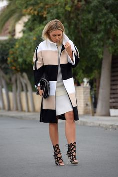 Winter Style, Autumn Winter Fashion, Fall Winter, Dress Skirt, What To Wear, Fashion Dresses, Clothes For Women, Skirts, Jackets