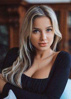 Beautiful Ladies, Beautiful People, Beautiful Blonde Girl, Sexy Women, Black Women, Sexy Hot Girls, Beauty Full Girl, Beauty Women, Pretty Girl Images