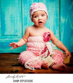 This is the cutest baby girl outfit!