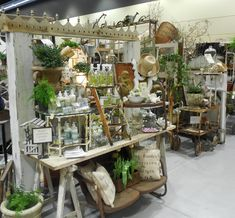 where to start??? i guess with what was new this year at  the show .....vintage treasures!!! there has always been 1 vintage shop at the sh...