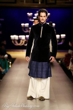India Couture Week (ICW) – Manish Malhotra's Runway Show - Indian Wedding Site Home - Indian Wedding Site - Indian Wedding Vendors, Clothes, Invitations, and Pictures. Indian Men Fashion, India Fashion, Indian Attire, Indian Outfits, Indian Wear, Manish Fashion, Indiana, Indian Male Model, Mens Ethnic Wear