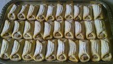 """Papučice sa orasima"": malo neobično ime ili izgled kolača, a ukus fantastičan… Kolaci I Torte, Banana Pudding Recipes, Croatian Recipes, Cake Cookies, Sausage, Sweets, Ethnic Recipes, Drinks, Basket"