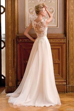 robe de mariée magnifique 055 et plus encore sur www.robe2mariage.eu