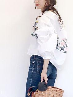 空前の大ヒット♡ZARA「フラワー刺繍シャツ」コーデ10連発♡ - LOCARI(ロカリ)
