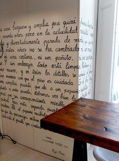 Mural escrito a mano, sala de los sombreros. Inma Gregori, 2015