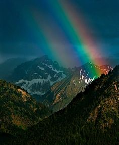 mountain rainbow by Harald Mieling, via Flickr