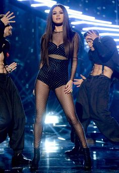 7 Years of Selena Gomez's Concert Outfits via Who What Wear Selena Gomez Fashion, Selena Gomez Outfits, Selena Gomez Fotos, Selena Gomez Style, Selena Gomez Amas 2015, American Music Awards, Marie Gomez, Stage Outfits, Looks Style