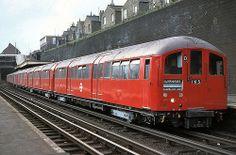 KENSAL GREEN TUBE STATION | KENSAL GREEN | LONDON | ENGLAND: *London Underground: Bakerloo Line*