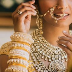 Red lips aren't the only option for a bride on her big day. See this bride slay her bridal look with a chic look. MUA: @karunachani Photographer @milighosh Bride @iamthebabz #shaadibazaar #wedding #indianwedding
