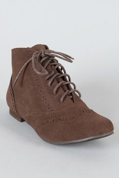 I love these shoes, I just wish they looked good on me =(