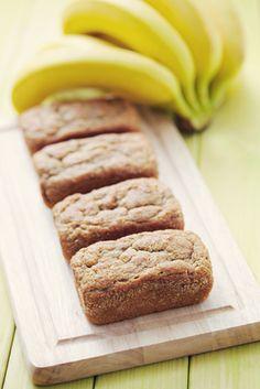Banana bread with protein - Rezeptpins - Vegan Recipes High Protein Recipes, Protein Snacks, Healthy Treats, Healthy Desserts, Protein Banana Bread, Low Carb Sweets, Delicious Vegan Recipes, Low Carb Keto, Food Porn
