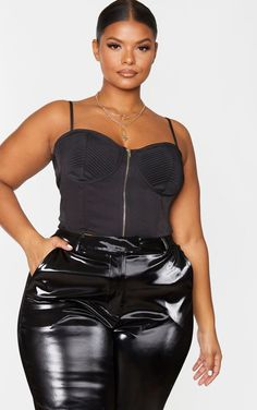 Plus Black Woven Bust Detail Zip Front Corset Switch up your look this weekend with this corset top. Featuring a black woven fabric with bust . Thick Girl Fashion, Trendy Plus Size Fashion, Black Women Fashion, Curvy Fashion, Curvy Plus Size, Plus Size Women, Plus Sise, Corset Outfit, All Black Looks