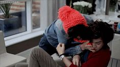 Larry Stylinson GIFS That Will Make You Wanna Die A popular One Direction ship, Larry Stylinson (Harry Styles and Louis Tomlinson). You could cut the sexual tension with a machete. Fanfic Larry Stylinson, Larry Shippers, Louis Tomlinson Tumblr, Larry Gif, Fanfiction, One Direction Edits, Louis And Harry, Wattpad, Love Of My Life