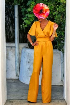 jumpsuit pants for wedding invitation in yellow Races Outfit, My Outfit, Mode Outfits, Fashion Outfits, Outfit Vestidos, Look Fashion, Fashion Design, African Fashion, Dress To Impress