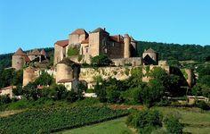 Château médiéval et jardin de Berzé, Bourgogne #voyage #france #bourgogne http://www.flowersway.com/visite/chateau-medieval-et-jardin-de-berze-1824
