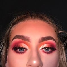 Stunning Eye Makeup Ideas – Beauty Make up Styles Glam Makeup, Pink Eye Makeup, Dramatic Eye Makeup, Hooded Eye Makeup, Colorful Eye Makeup, Makeup For Green Eyes, Eye Makeup Tips, Cute Makeup, Gorgeous Makeup