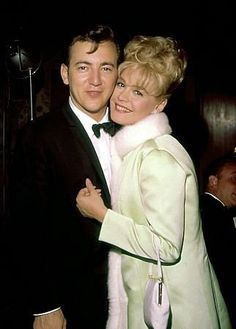"""Academy Awards: 32nd Annual,"" Bobby Darin & Sandra Dee at Beverly Hilton"