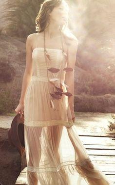 boho fashion, gauze hippie dress & layered necklaces
