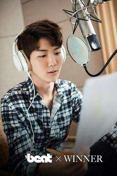 #winner #seung hoo #DJ
