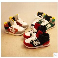 2015Hot-selling calçados esportivos em execução sapatos crianças sapatos masculinos primavera criança do sexo feminino pedal snearkers