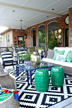 Maybe you would like to upgrade the complete back yard, or perhaps only the patio area. Your patio garden requires a floor finish. With many patio furniture alternatives to pick from you can readily make an outdoor space that is going to be well utilized. Outdoor Decor, Home, Outdoor Space, Patio Furniture, Patio Design, New Homes, Outdoor Patio Decor, Deck Design, Teak Patio Furniture