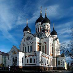 Igreja ortodoxa localizada na Cidade Velha em Tallinn. Ela foi construída em 1894, como influência do Império Russo. ◆Estónia – Wikipédia https://pt.wikipedia.org/wiki/Est%C3%B3nia #Estonia