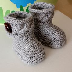 Knitting Pattern (pdf file) Stylish Baby Boots ( sizes 0-6/6-12 months). $3.99, via Etsy.