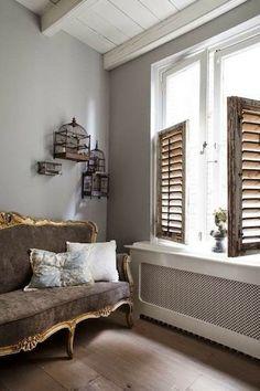 Detalhe charmoso: sofás e bancos