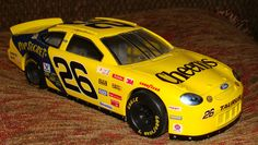 DIECAST Nascar cheerios 26 Ford racing car 1:24 Johnny Benson 1988 model