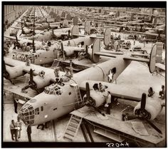 B-24 Bomber Assembly Hall 1943, now that is what I call a factory, how many are there being built !