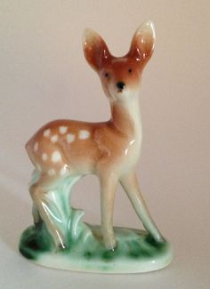 Vintage deer figurine by Emeliemaccie on Etsy,