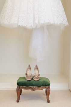 oscar de la renta | wedding shoes and dress