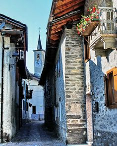 COURMAYEUR (Valle d'Aosta) - Italy - DOLONNE - by Guido Tosatto