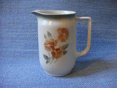 Kuvahaun tulos haulle arabia ruusu maitokannu Finland, Kitchens, Pottery, Ceramics, Vintage, Design, Ceramica, Ceramica, Pottery Marks