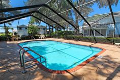 3 Bedroom 2 Bath Condo with Golf Course View on Ridgewood Lakes in Orlando, Florida. Access to Heated Communal Pool and only 15 minutes from Disney World.  #orlandovacationrental