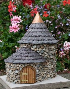 Miniature cottages.  .    http://enchantedcottages.co.uk/