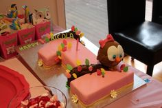 First Birthday Cake - Owl theme for a little girl! I absolutely love this :)