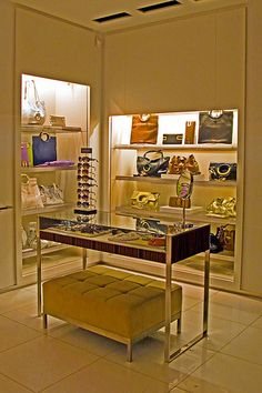 Michael Kors Boutique (store interior) photo 1309 i like michael kors purse very much #usmichaelkors#