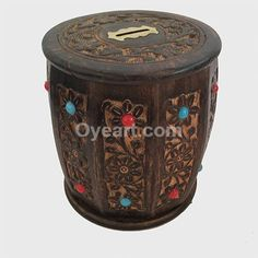 This #Handcrafted and #hand polished with beautiful Carving #treasure chest money box is made from teak wood. Use the coin slot on the treasure chest to top up your #savings. Or open up the lid and store your treasure of choice within! These wooden #Money Boxes are eye-catching, appealing gifts and make brilliant #gifts for a #child's #bedroom or for fun-loving adults! High quality #traditional #wooden presents to treasure!