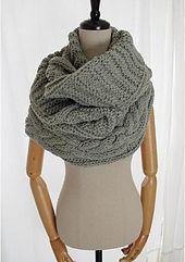 Ravelry: Keiko - bufanda infinito, redecilla, capucha, voluminosos, patrón grueso por Mary Davids