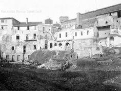 Foro di Augusto durante gli scavi e le demolizioni del convento dell'Annunziata (1925, INASA)