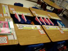 Keep workspaces clutter-free by keeping organizers on top of bins in between desks. 29 Clever Organization Hacks For Elementary School Teachers Classroom Hacks, Classroom Layout, Classroom Organisation, Teacher Organization, School Classroom, Organization Hacks, Classroom Management, Future Classroom, Classroom Table