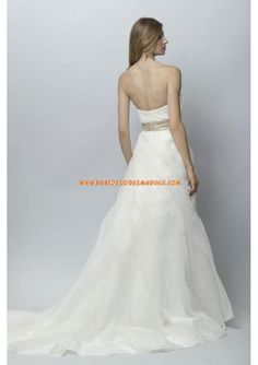 Belle robe de mariée organza ruban avec fleur