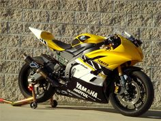 YAMAHA YZF-R6 - repined by http://www.motorcyclehouse.com/ #MotorcycleHouse