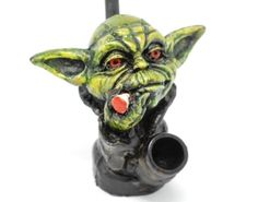 Star Wars Yoda Pipe Hand Made in Peru Collectors item. Pipes For Sale, Hand Pipes, Water Pipes, Peru, Lion Sculpture, Star Wars, United States, Journey, Hand Painted